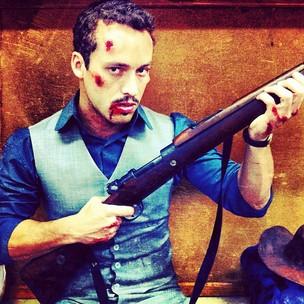 Rodrigo Andrade posta foto dos bastidores de 'Gabriela' (Foto: Instagram / Reprodução)