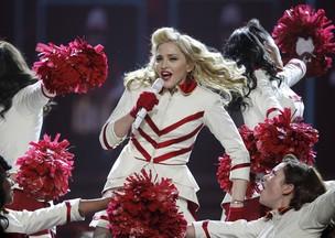 Madonna durante apresentação da turnê MDNA na Philadelphia, nos Estados Unidos (Foto: Reuters/ Agência)