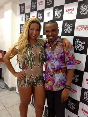 Valesca Popozuda e Alexandre Pires em bastidores de show no Rio (Foto: Twitter/ Reprodução)