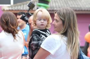 Guy, filho de Dani Winits, na festa das filhas de Giovanna Antonelli (Foto: Marcello Sá Barretto / Foto Rio News)