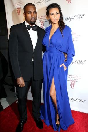 Kanye West e Kim Kardashian em evento em Nova York, nos Estados Unidos (Foto: Steve Mack/ Getty Images/ Agência)