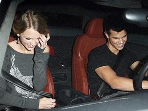 Taylor Swift e Taylor Lautner (Foto: WENN / Agência)