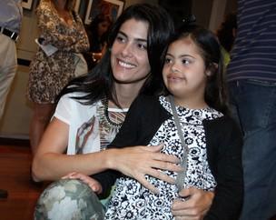 Ex-mulher de Romário com a filha Ivy (Foto: Graça Paes/Foto Rio News)