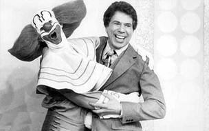 Wandeko, o primeiro Bozo, e Silvio Santos (Foto: Facebook/Reprodução)