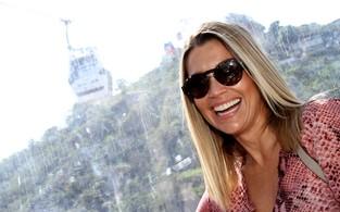 """Flávia Alessandra indo para a exposição """"Guerreiros da vida real"""" (Foto: Henrique Oliveira / FotoRioNews)"""