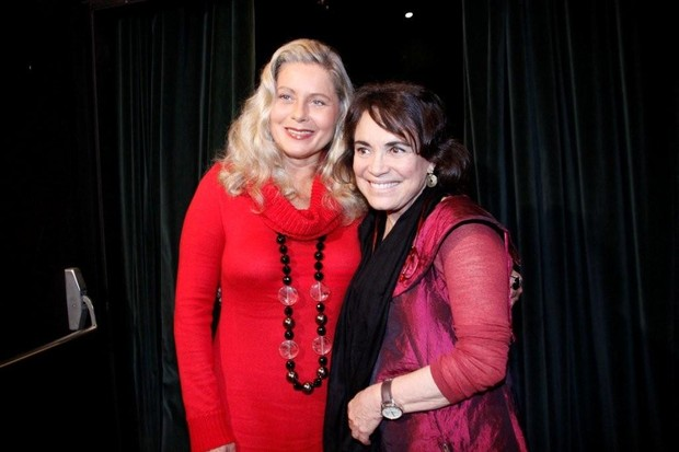Vera Fischer e Regina Duarte na estreia da peça 'As Polacas – Flores do Lodo' no Rio (Foto: Philippe Lima/ Ag.News)