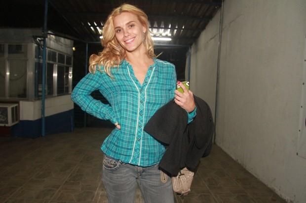 Carolina Dieckmann vai à festa de 'Fina Estampa' no Rio (Foto: Raphael Mesquita/ Photo Rio News)