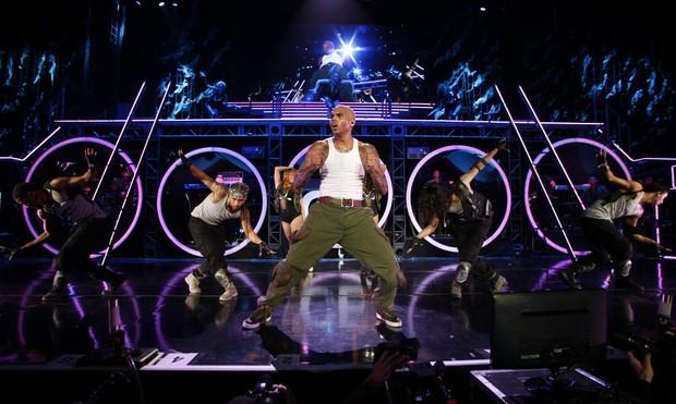 Paris no show de Chris Brown, com tratamento Vip 2011-10-21t054459z_1508090345_gm1e7al122001_rtrmadp_3_usa