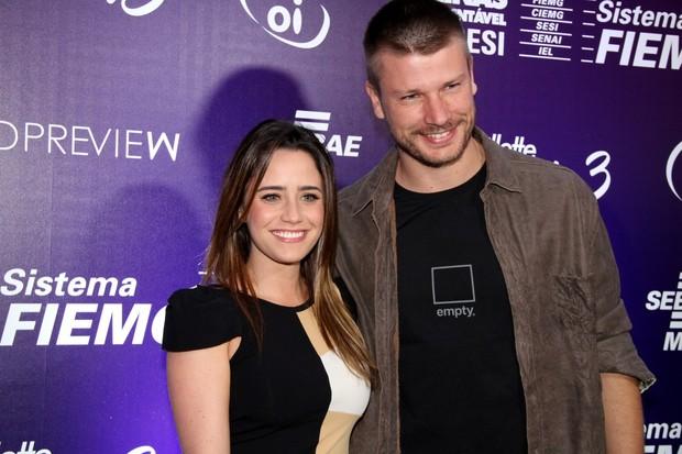 Fernanda Vasconcellos e o ator Rodrigo Hilbert na abertura do Minas Trend Preview, em Belo Horizonte, Minas Gerais. (Foto: Roberto Filho/ Ag.News)