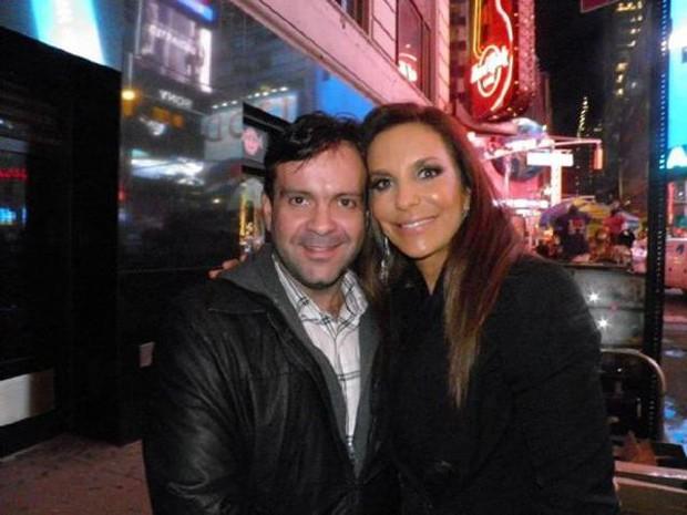 Ivete tira foto com fã em Nova York (Foto: Twitter / Reprodução)