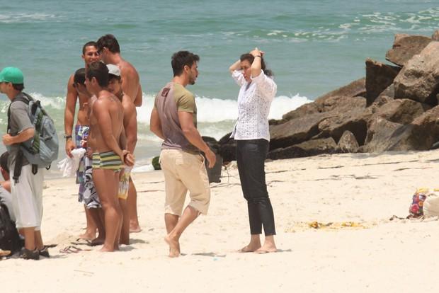 Atores Gravam Cena de Fina Estampa na Praia da Barra da Tijuca (Foto: Marcos Ferreira / Photo Rio News)