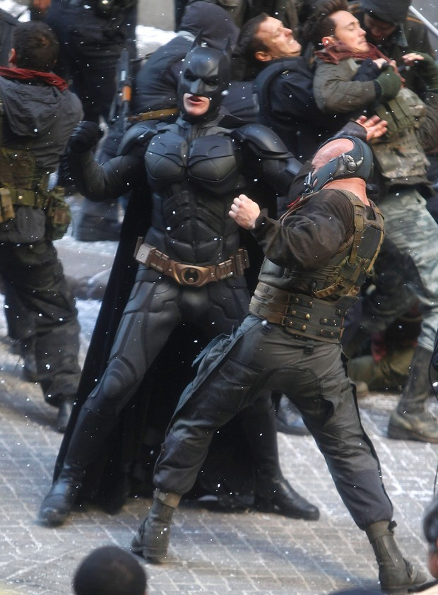 "Christian Bale e Tom Hardy nas filmagens de ""Batman: The Dark Knight Rises"" (Foto: Getty Images)"