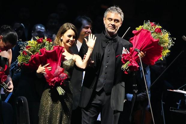 Sandy canta com Andrea Bocelli em show em Belo Horizonte, Minas Gerais (Foto: Manuela Scarpa/ Photo Rio News)