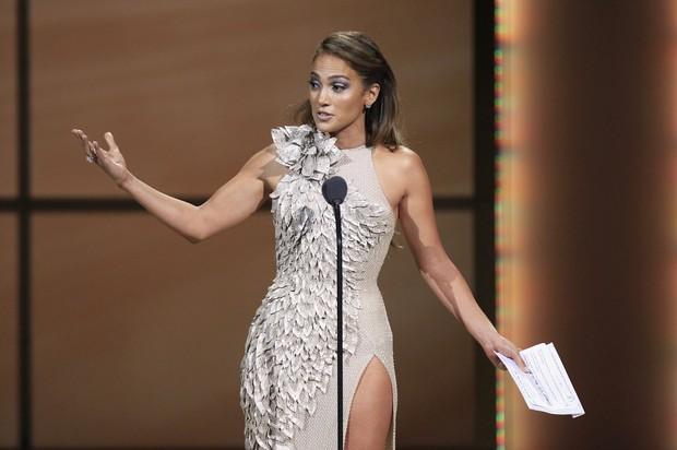 Jennifer Lopez em premiação da revista 'Glamour' em Nova York, nos Estados Unidos (Foto: Reuters/ Agência)