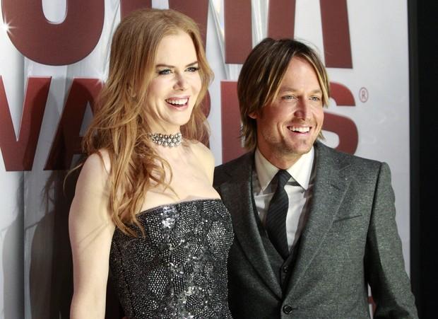 Nicole Kidman acompanha o marido Keith Urban em premiação de música country em Tennessee, nos Estados Unidos. (Foto: Reuters/ Agência)