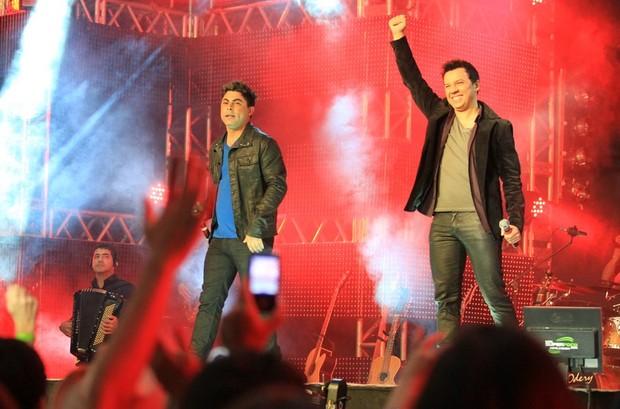 Alan e Alisson (Foto: Marco Macedo/Divulgação)