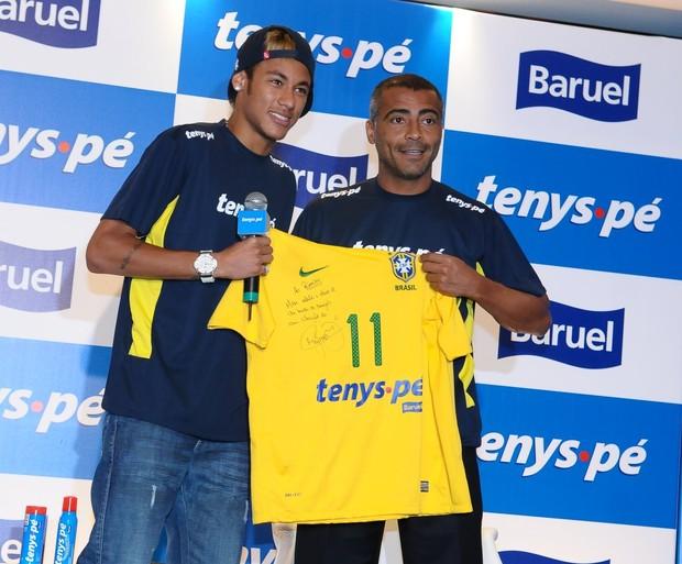 Romário e Neymar (Foto: Francisco Cepeda / AgNews)