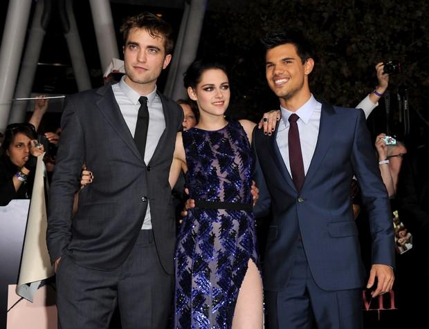 Robert Pattinson, Kristen Stewart e Taylor Lautner na première de 'Amanhecer' em Los Angeles, nos Estados Unidos (Foto: Getty Images/ Agência)