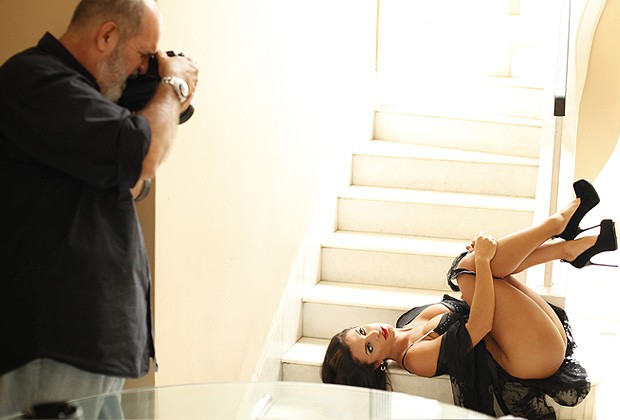 Making of de Carol Abranches para o Paparazzo (Foto: Mari Gibara/ Paparazzo)