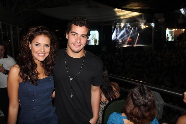 Paloma Bernardi e Thiago Martins no show da cantora Paula Fernandes (Foto: Wesley Costa/AgNews)
