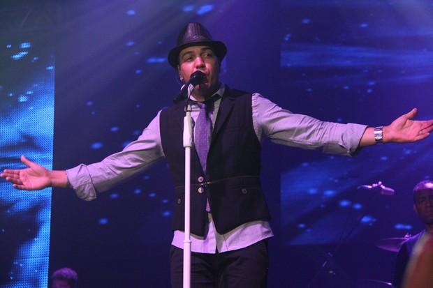 Belo canta em casa de shows na Barra da Tijuca, Zona Oeste do Rio (Foto: Thiago Mattos/ Ag. News)