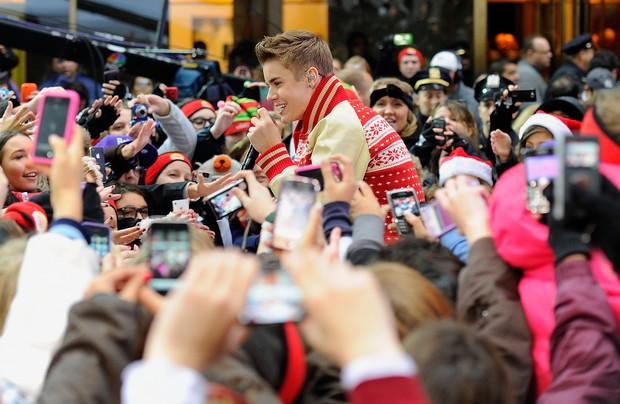 Justin Bieber participa de programa de televisão em Nova York, nos Estados Unidos (Foto: Getty Images/ Agência)