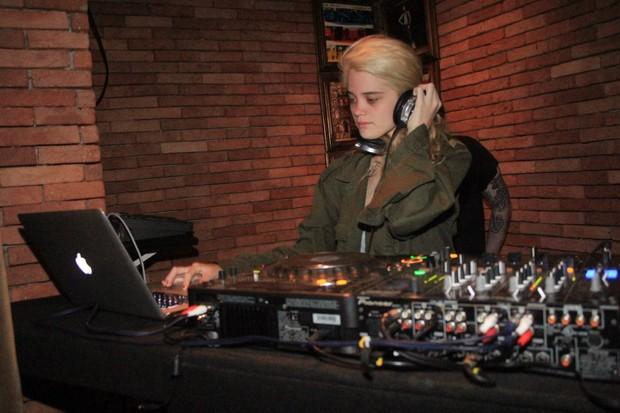 DJ Sky Ferreira se apresenta no Rio (Foto: Rodrigo dos Anjos/ Ag. News)