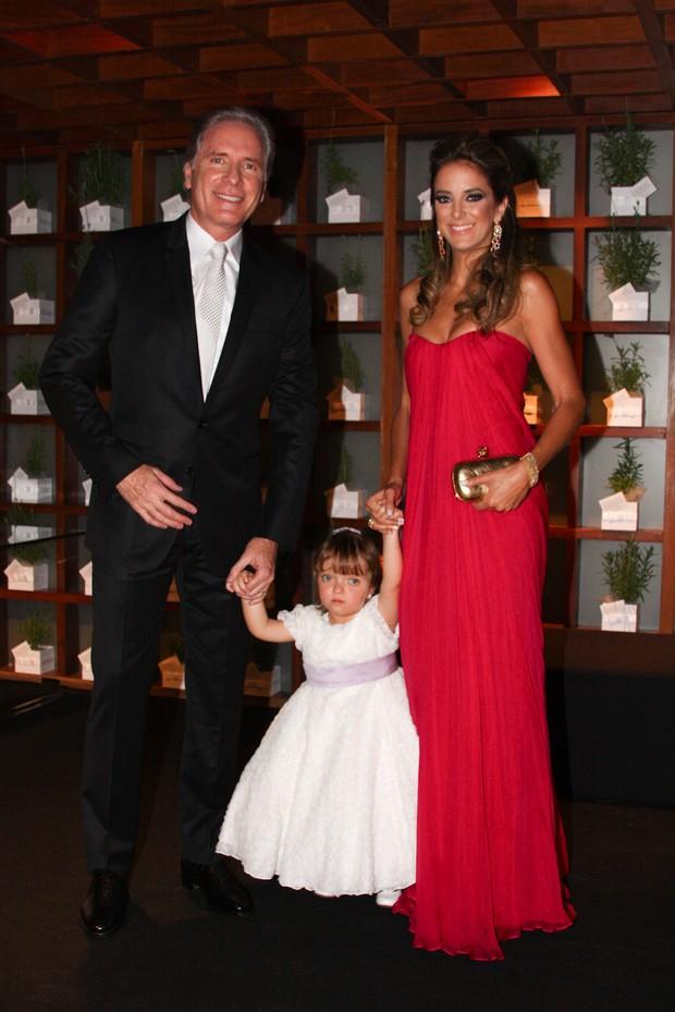 Roberto Justus, Ticiane Pinheiro e Rafaella (Foto: Photorio News)