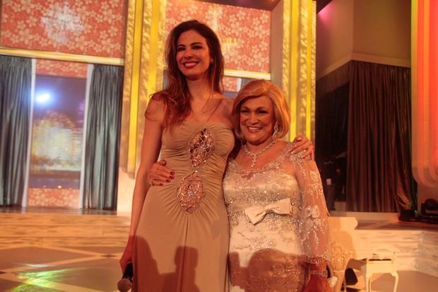 Luciana Gimenez e Hebe Camargo gravam especial de fim de ano da RedeTV (Foto: Orlando Oliveira ou Tiago Archanjo/ Ag. News)