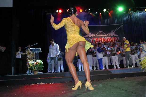 Gracyanne Barbosa no lançamento do CD com os sambas-enredo cariocas para o carnaval 2012 (Foto: Roberto Filho/ Ag.News)