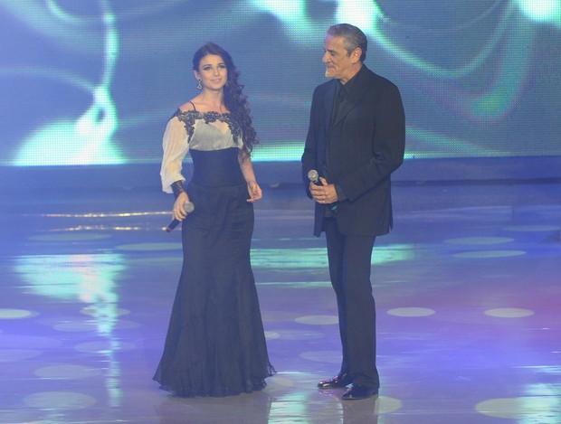 Paula Fernandes e Zé Ramalho em prêmio do Campeonato Brasileiro em São Paulo (Foto: Francisco Cepeda/ Ag.News)