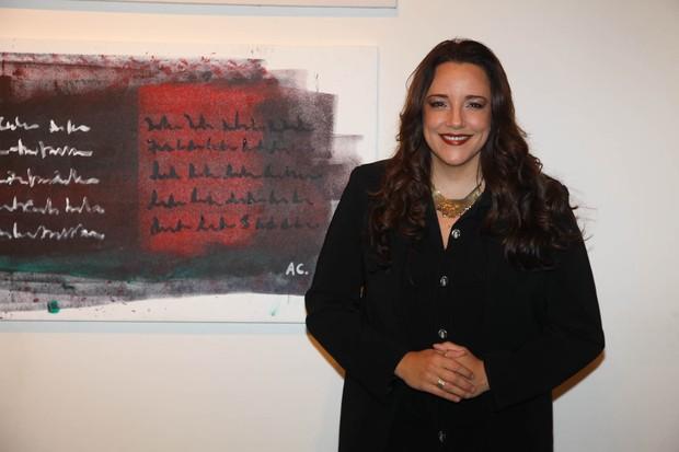 Ana Carolina na abertura de sua exposição 'Ensaio em cores' em São Paulo (Foto: Manuela Scarpa/ Photo Rio News)