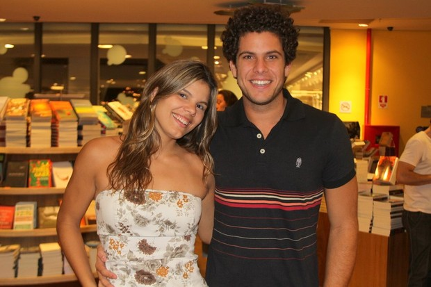 Larissa e Ramon Muller, do Hipertensão (Foto: Daniel Delmiro / AgNews)