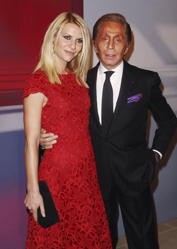 Claire Danes e Valentino em evento em homenagem ao estilista em Nova York, nos EUA (Foto: Reuters/ Agência)