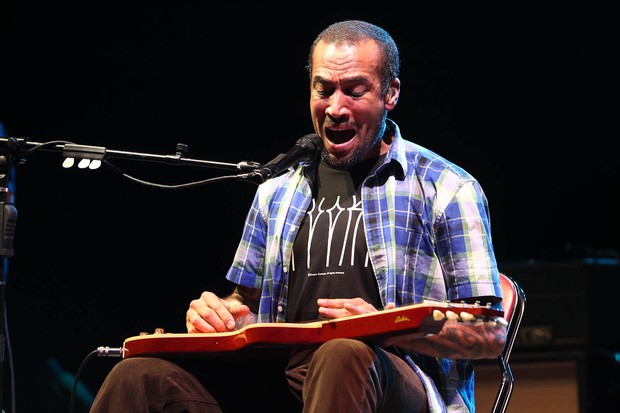 Ben Harper em show no Via Funchal (Foto: Manuela Scarpa / Photo Rio News)