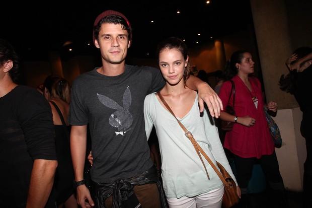 Felipe Solari e Laura Neiva no show de Ben Harper, no Via Funchal, em São Paulo (Foto: Manuela Scarpa / Photo Rio News)