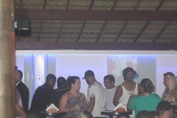 Ronaldinho Gaúcho curte balada na Bahia (Foto: Sercio Freitas / Ag. Fred Pontes / Divulgação)