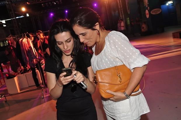 Cleo Pires ensina a mãe a usar o Twitter (Foto: Roberto Teixeira/EGO)