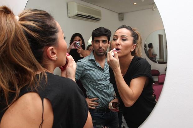 Sabrina Sato no salão de beleza (Foto: Manuela Scarpa / Photo Rio News)