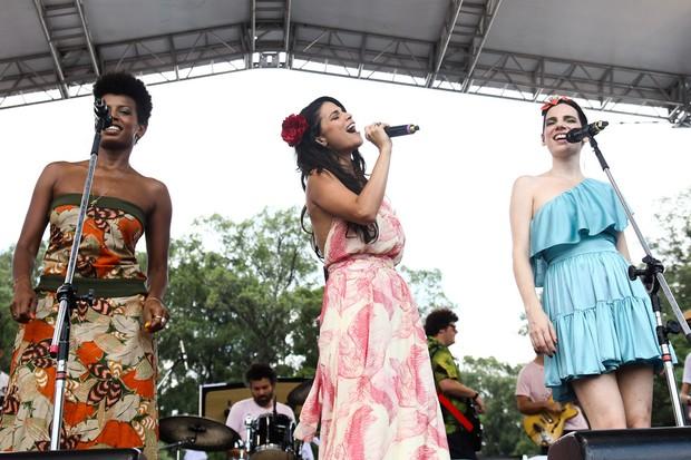 Thalma de Freitas com Emanuelle Araujo e Nina Becker (Foto: Manuela Scarpa / Photo Rio News)