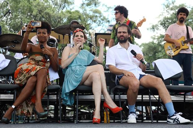 Thalma de Freitas com Nina Becker e Moreno Veloso (Foto: Manuela Scarpa / Photo Rio News)