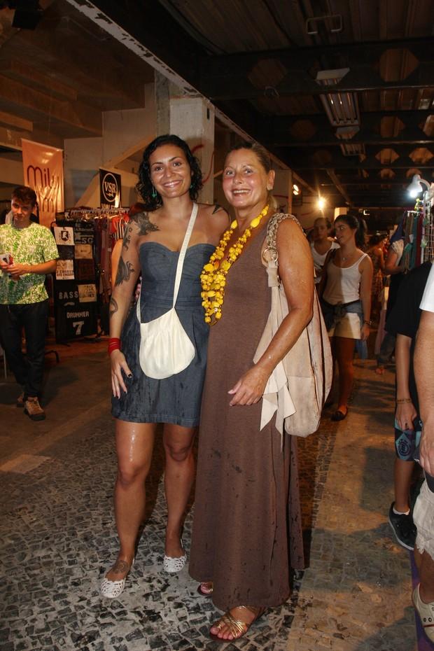 Rafaela e Vera Fischer na Babilônia Feira Hype (Foto: Divulgação)