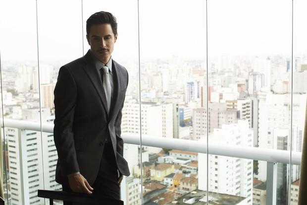 """Ricardo Tozzi em ensaio para a revista """"Poder"""" (Foto: André Shiliró / Poder)"""