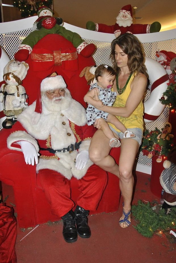 Letícia Spiller com a filha Stella (Foto: Júlio Mello/Ag. News)