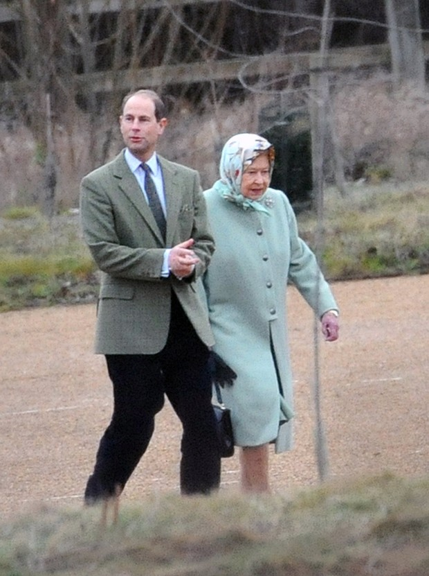 Rainha Elizabeth visita príncipe Philip no hospital (Foto: Agência Reuters)