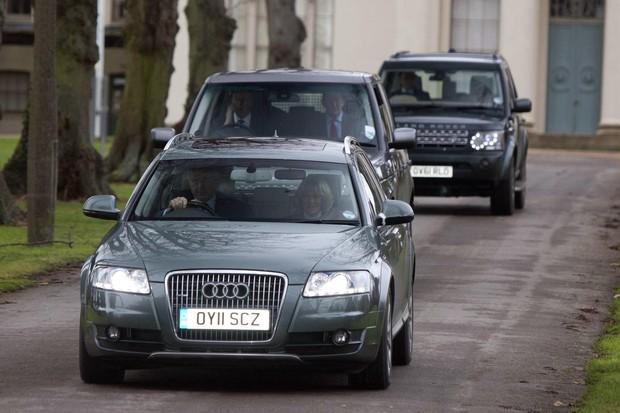 Camilla Parker Bowles visita o príncipe Philip (Foto: Agência Reuters)
