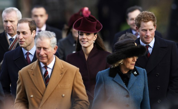 Kate Middleton e príncipe William vão à missa de Natal (Foto: Reuters)