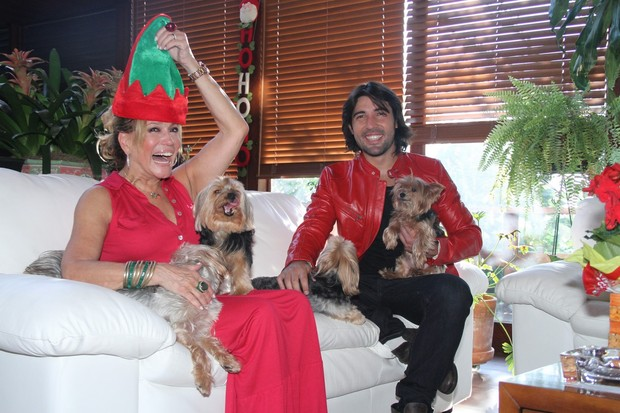 http://s.glbimg.com/jo/eg/f/620x0/2011/12/25/suzana_vieira_e_sandro_pedroso_49.jpg
