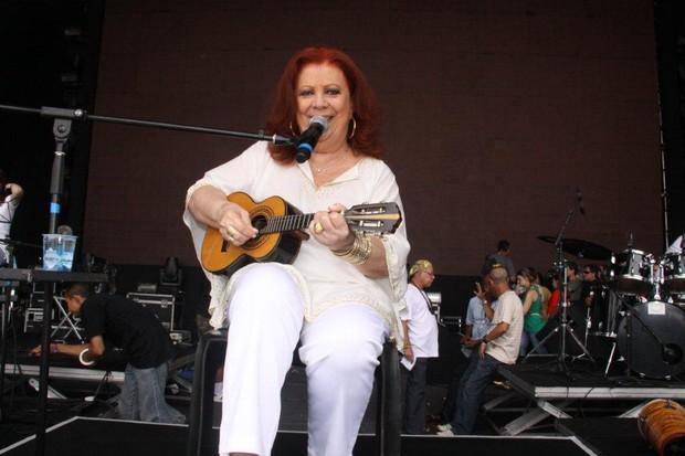 Beth Carvalho ensaia para show de Revéillon (Foto: Onofre Veras / AgNews)