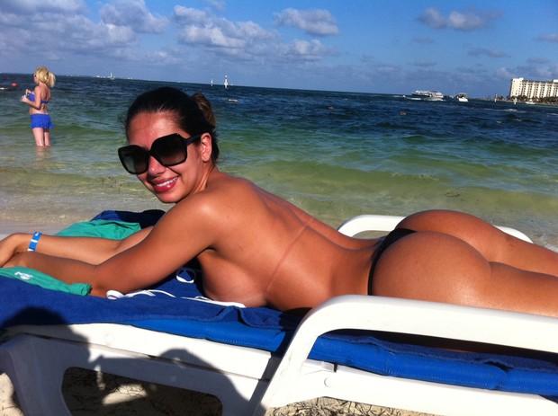 Graciella Carvalho, vice Miss Bumbum, em Cancún (Foto: Divulgação)